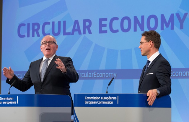 Frans Timmermans on the left and Jyrki Katainen