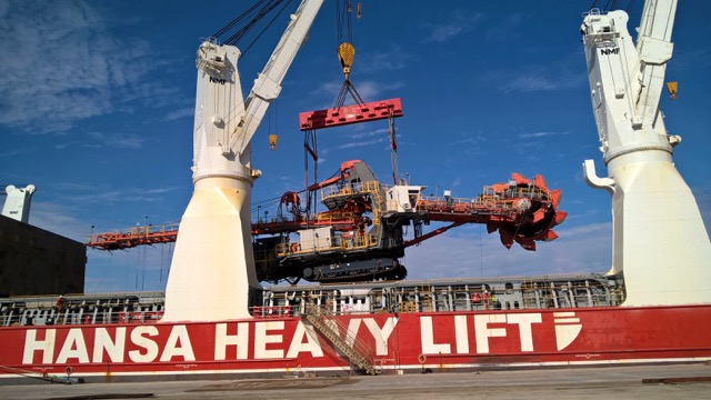heavylift-bucket-delivered-to-angola