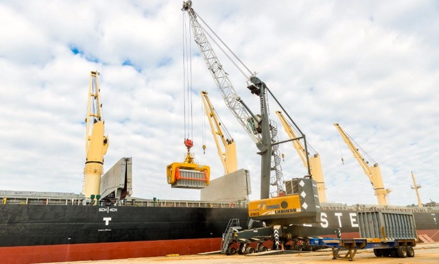 innovative-dry-bulk-handling-at-port-of-riga