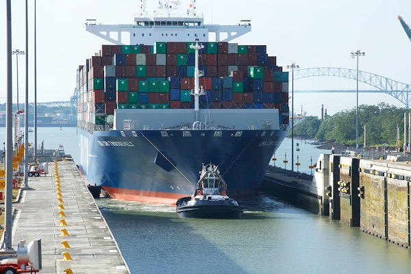 panama-handles-largest-box-carrier